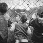 Prodloužení povinné školní docházky dětem z chudých rodin nepomůže. Řešení je jinde.