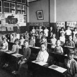 Svobodnější školy: Odluka vzdělávání od politiky