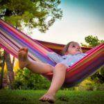 """Fakta a fikce o takzvaném """"letním propadu"""": Opravdu se děti učí méně během letních prázdnin? Méně ve srovnání s čím?"""